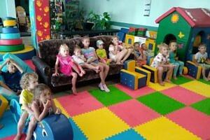 Детская площадка и комната