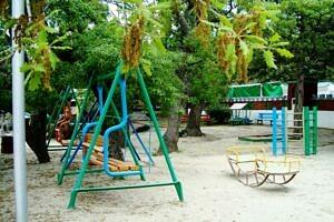 детская площадка..
